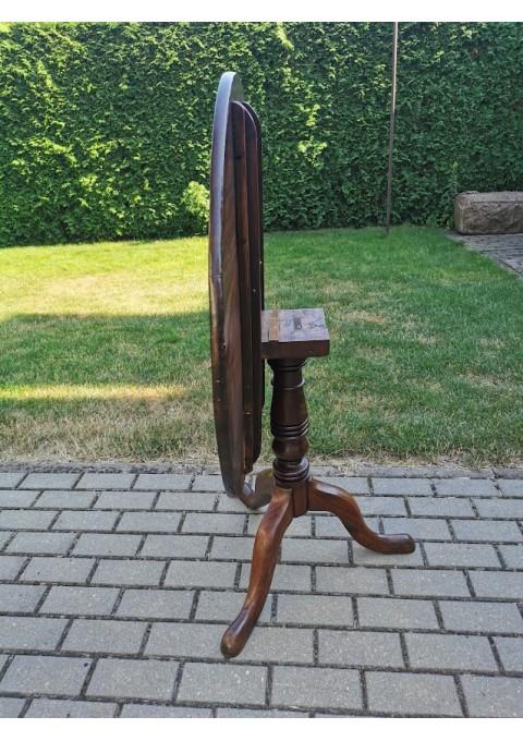 Stalas apvalus, atlenkiamu stalviršiu, antikvarinis, tvirtas. Kaina 158
