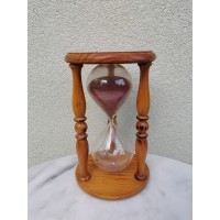 Smėlio laikrodis didelis. Aukštis 25 cm. Kaina 52