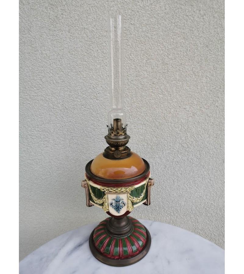 Žibalinė lempa antikvarinė. Majolika. Kaina 87