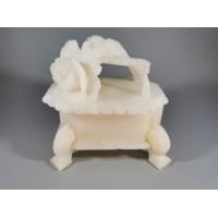 Dėžutė alebastro, antikvarinė. Kaina 33