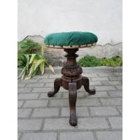 Pianino antikvarinė, sraigtinė kėdė. Kaina 128