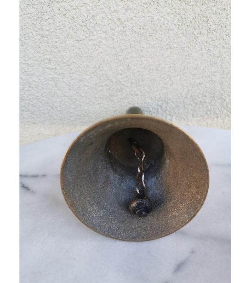 Varpas bronzinis su rankena, mokyklinis, antikvarinis. Kaina 68
