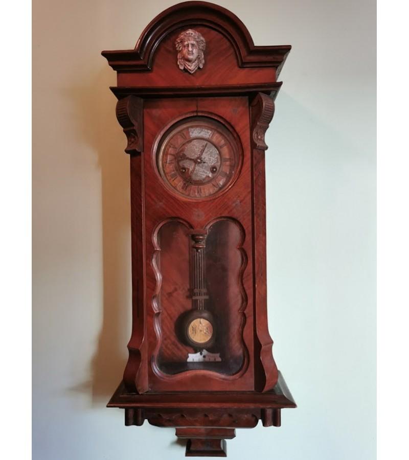 Laikrodis sieninis, antikvarinis. Kaina 42