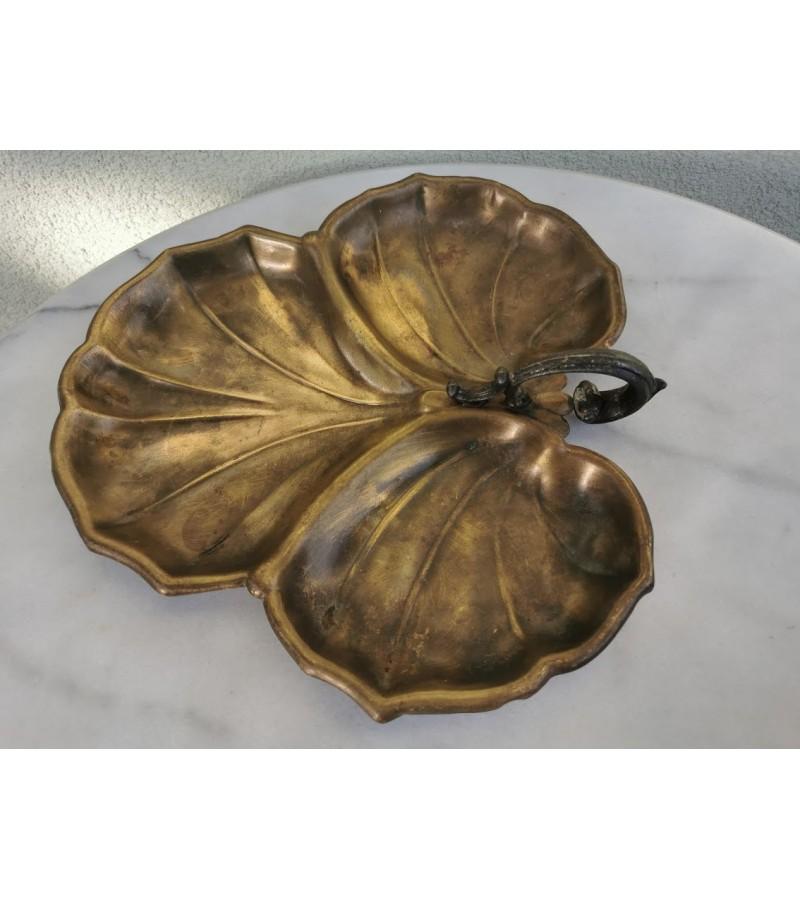 Padėklas, lėkštė tarpukario bronzinė su rankenėle. Kaina 41