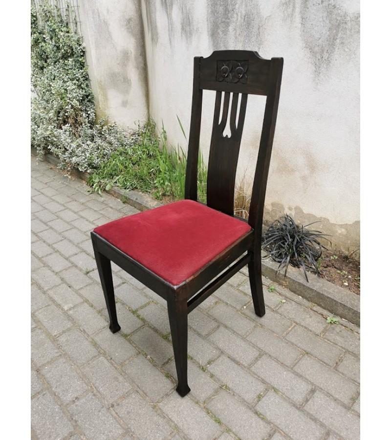 Kėdė antikvarinė, restauruota. Iš Vilniaus r. Kaina 63