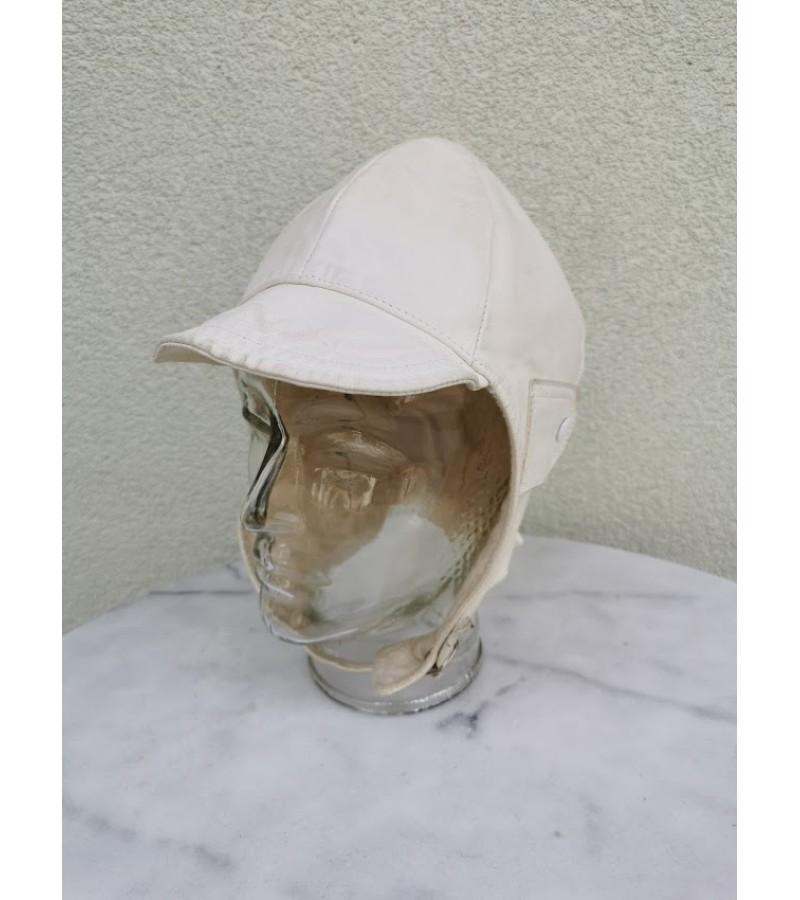 Lakūno, piloto, motociklisto kepurė baltos spalvos odos. Kaina 63