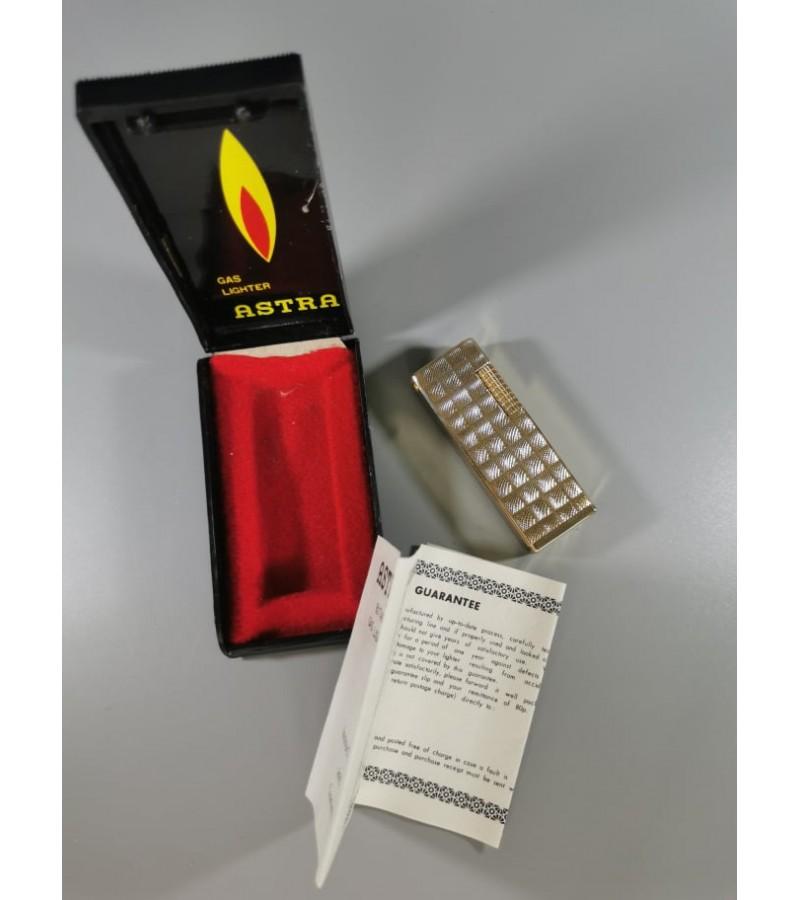 Žiebtuvėlis vintažinis ASTRA, dujinis, originalioje dėžutėje. Netikrintas. Kaina 21