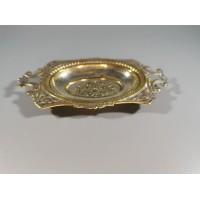 Lėkštutė sidabruota, nedidelė, antikvarinė. Prabuota: G.A.B. M. 98. Kaina 12