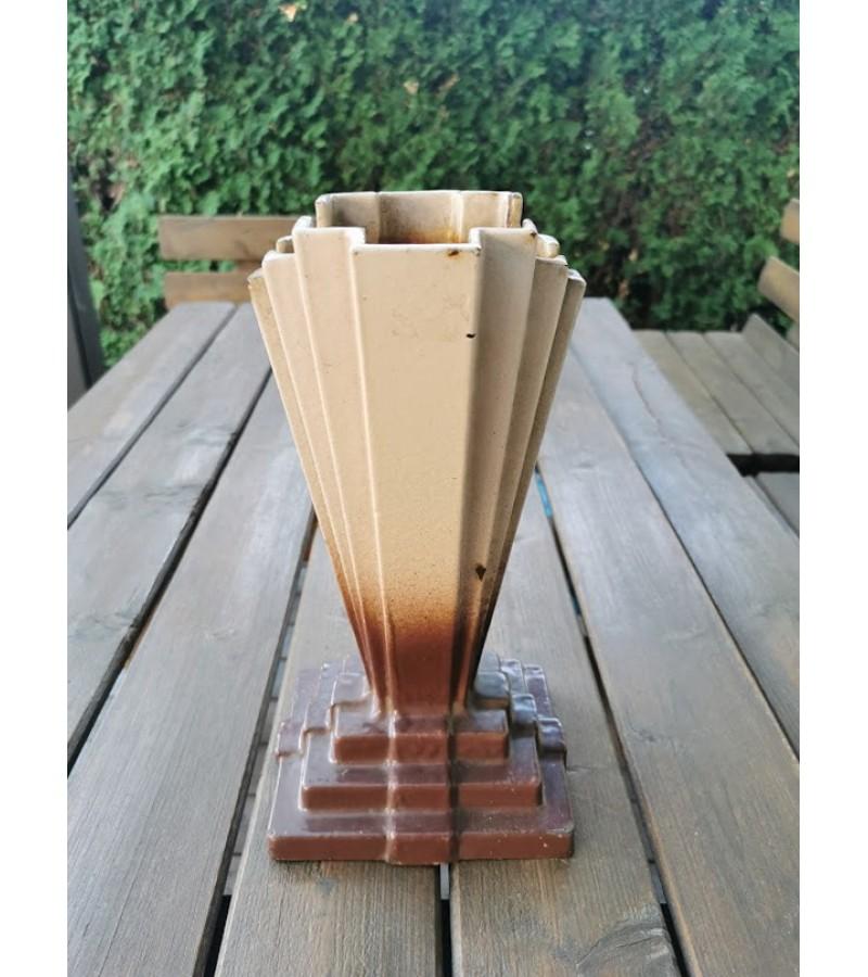 Vaza Art Deco, ketaus (špižinė), antikvarinė. Kaina 62
