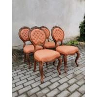 Kėdės antikvarinės puoštos drožinėtomis vynuogėmis. 4 vnt. Kaina po 53