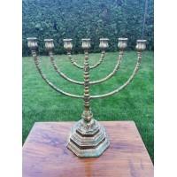 Menora, žvakidė bronzinė, sunki. 3,9 kg. Kaina 68