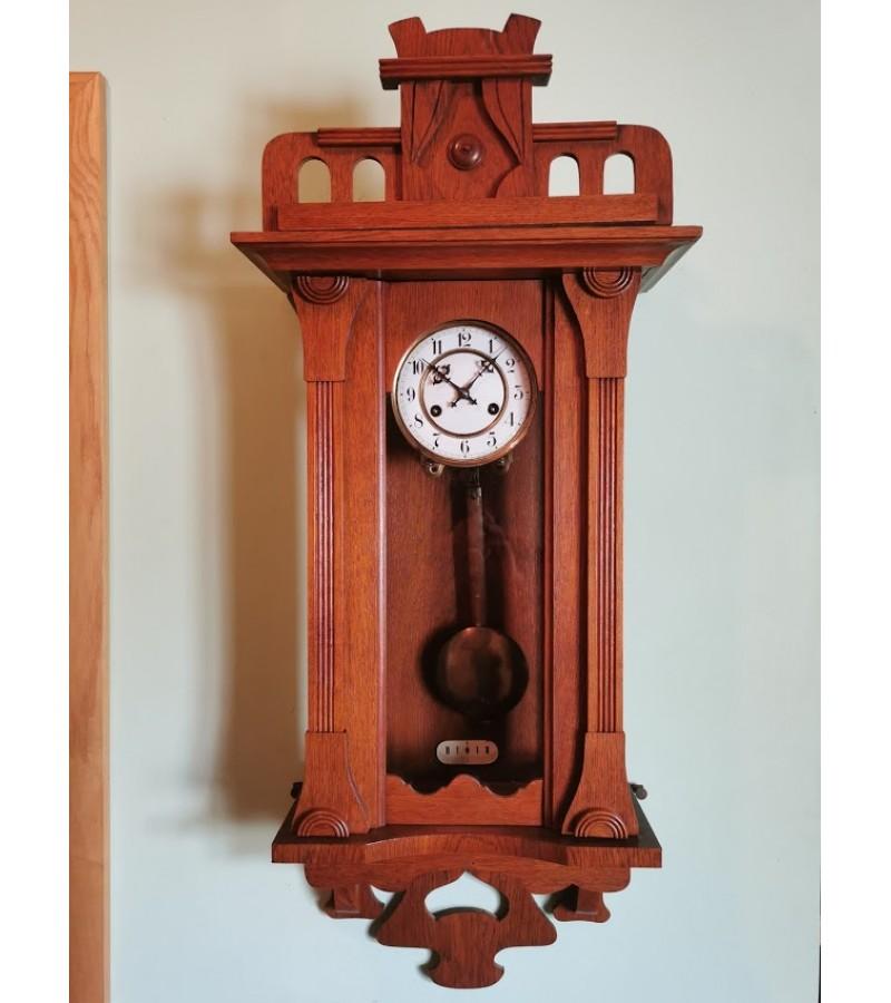 Laikrodis Junghans, glazūruotu ciferblatu, secesijos stiliaus, antikvarinis. Veikiantis. Kaina 237