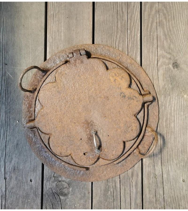 Keptuvė čirvinių blynų špižinė (ketaus) antikvarinė. Didelė. Kaina 107