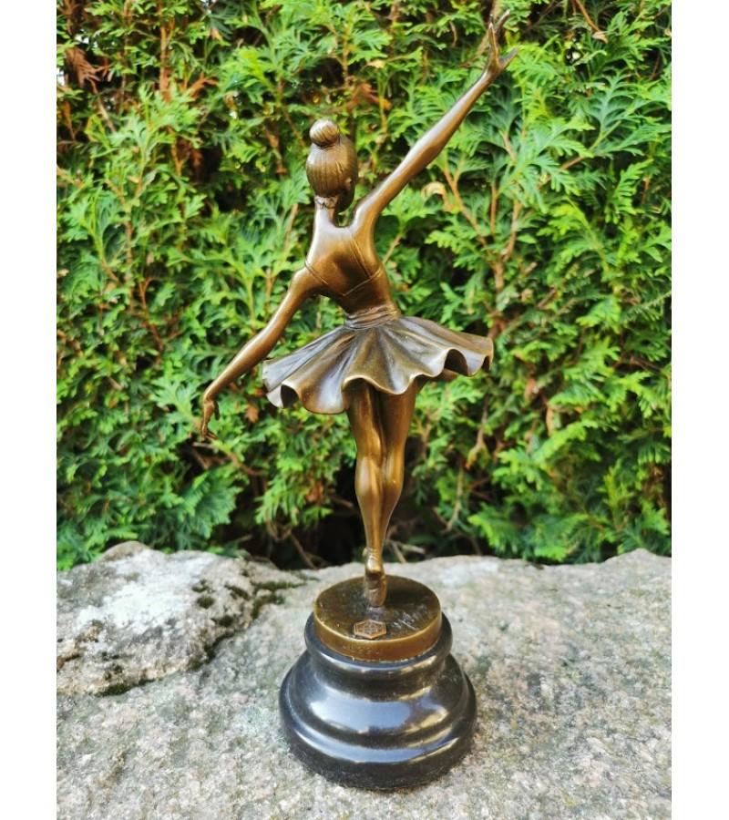 Balerinos statulėlė, figūrėlė. Bronze Garanti, J.B. Déposée, Paris. 1910 m. Milo statulos replika. Bronza, marmuras. Kaina 138