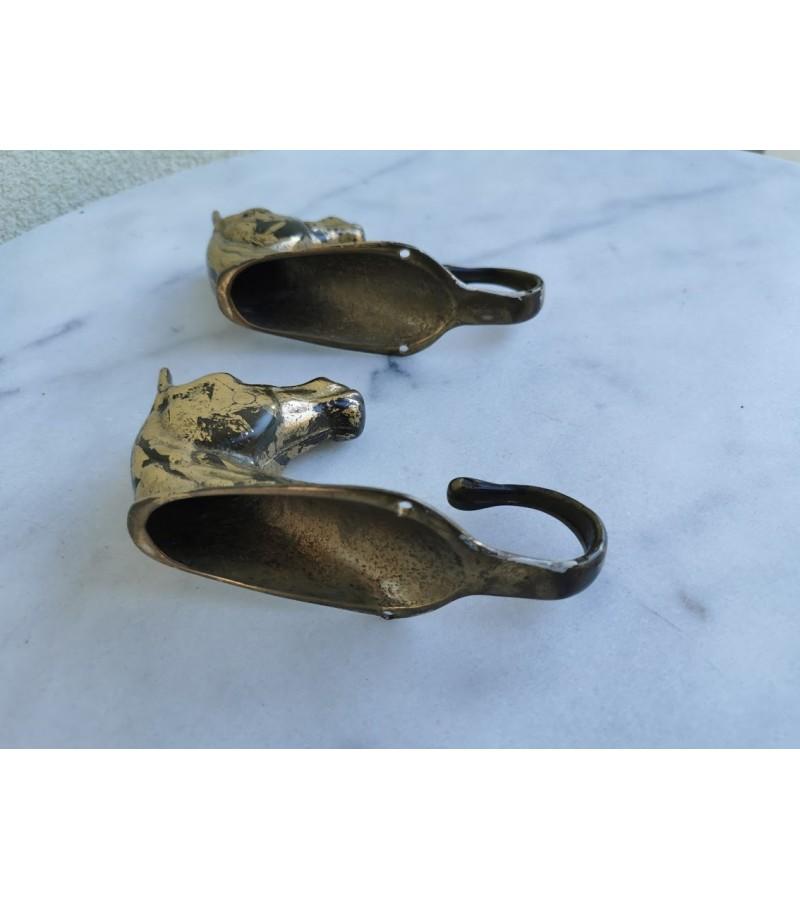 Kabyklos bronzinės, arkliuko, žirgo galvos. 2 vnt. Kaina po 46