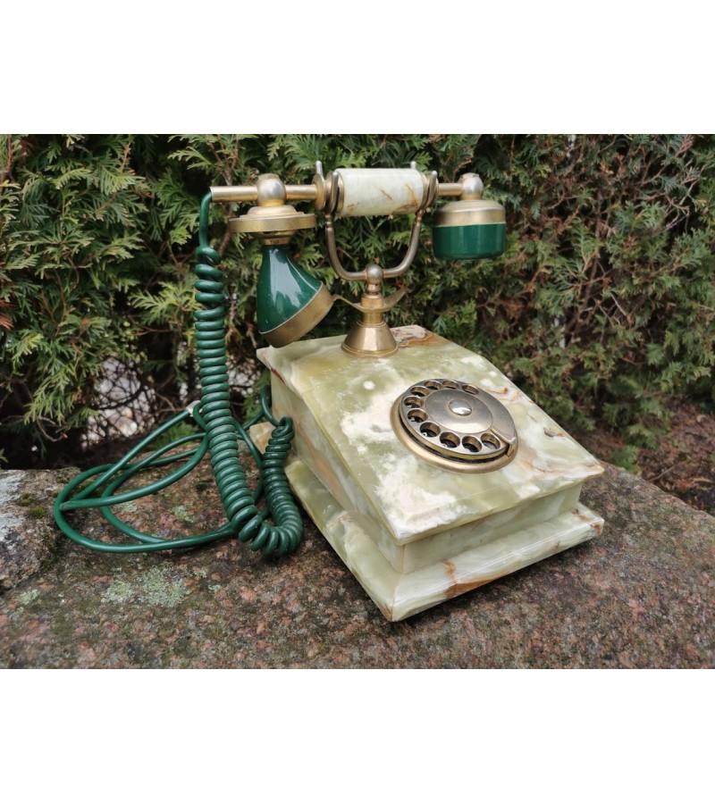 Telefonas vintažinis, onikso korpusu. Kaina 87