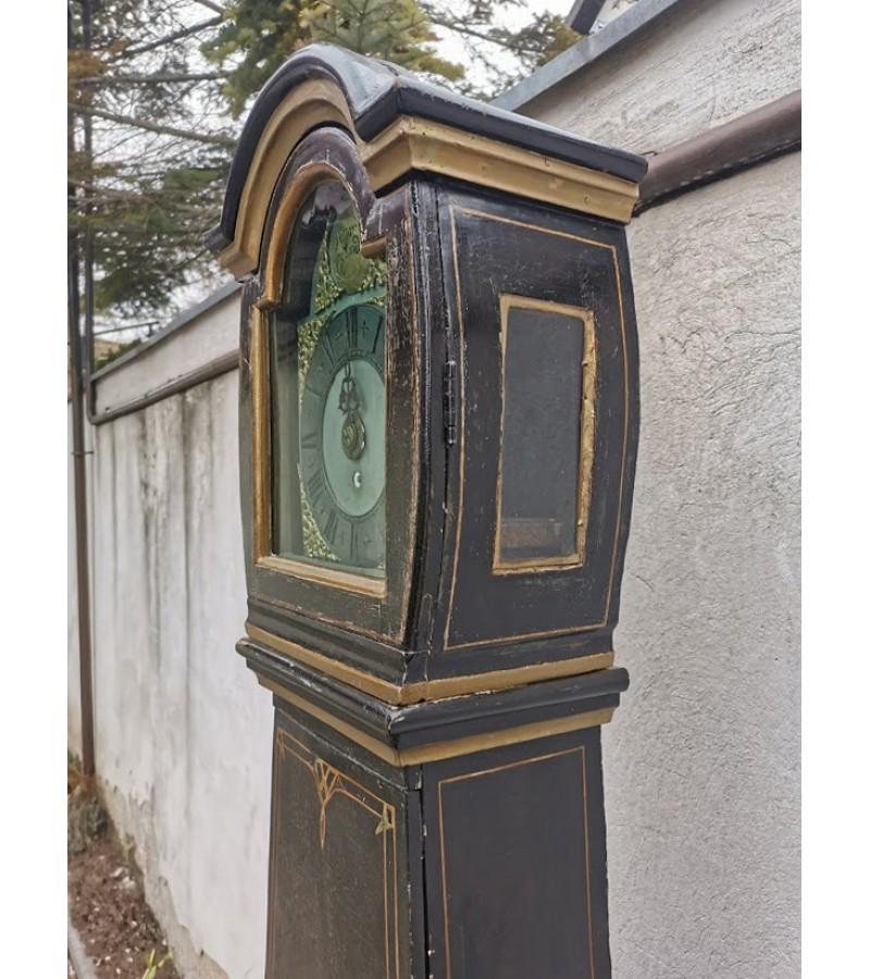 Laikrodis pastatomas, antikvarinis. XIX a. pr. Kaina 387