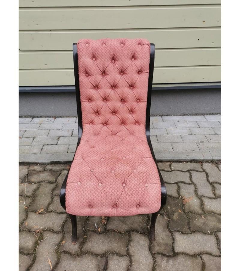 Kėdė išskirtinio dizaino. Tvirta. Kaina 78