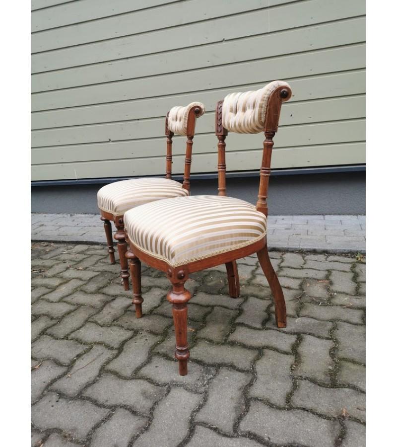 Kėdės antikvarinės tvirtos. 2 vnt. Restauruotos. Kaina po 53