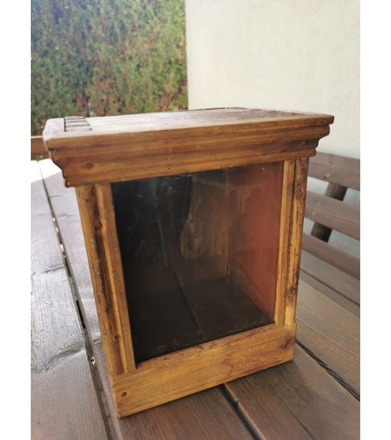 Spintelė budniko (žadintuvo) antikvarinė, pastatoma iš Kauno r. Kaina 48