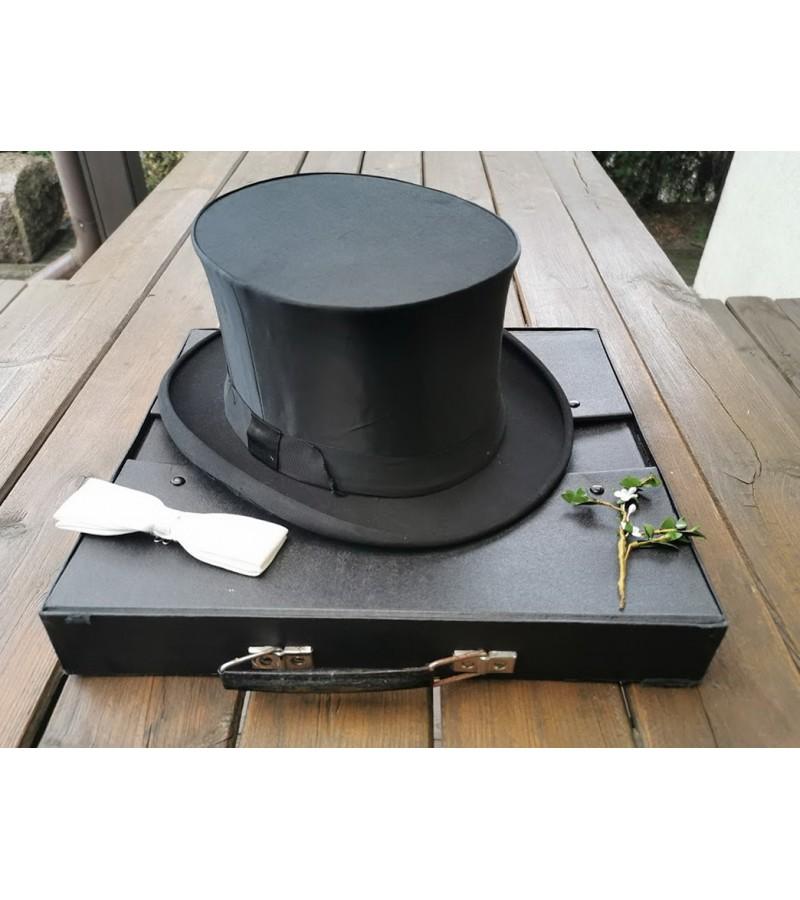 Cilindras (skrybėlė) sustumiamas, antikvarinis. Nenaudotas. Originali dėžė bei atributai. Kaina 127 už viską.