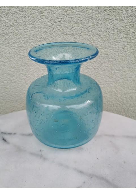 Vazelė spalvoto stiklo kolekcinė skandinaviška. Kaina 23