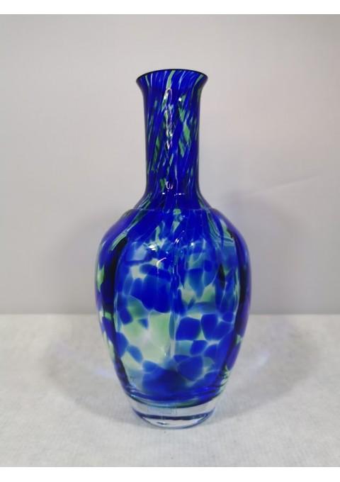 Vazelė spalvoto stiklo kolekcinė Handmade by SEA of Sweden. Kaina 18