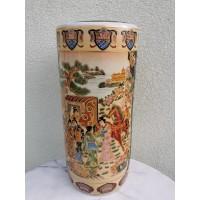 Vaza kiniška, didelė. Kaina 87