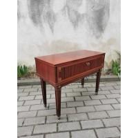 Spintelė raudonmedžio su stalčiumi Gustavian stiliaus. Kaina 93