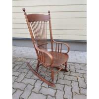 Krėslas supamas, nedidelis, antikvarinis, tvirtas. Kaina 157