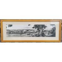 Nuotrauka didelė KAUNAS, 1950-60 m. Rėmo išorinis dydis 51 x 136 cm. Nuotraukos dydis 28 x 113 cm. Kaina 163
