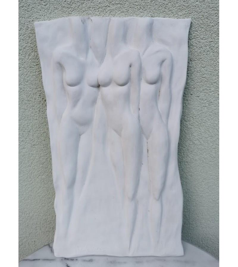 Bareljefas gipsinis Moterys gracijos. Nicole Vider. Kaina 68