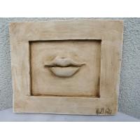 Bareljefas gipsinis Lūpos. Nicole Vider. Kaina 38