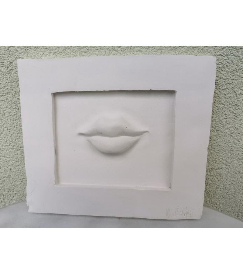 Bareljefas gipsinis Lūpos. Nicole Vider. Kaina 23