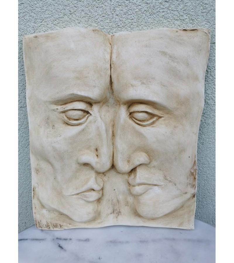 Bareljefas gipsinis Du veidai. Nicole Vider. Kaina 68
