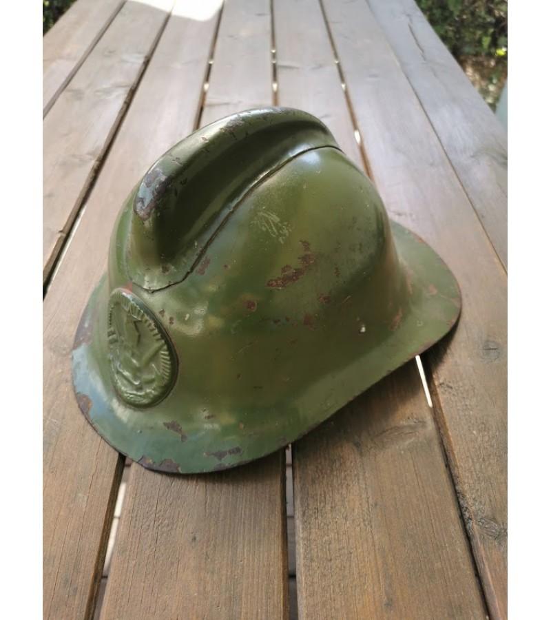 Šalmas gaisrininko, ugniagesio tarybinių, sovietinių laikų. 1961 m. Каска, шлем пожарного СССР, модель М-103-61. Kaina 58