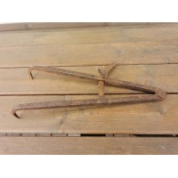Įrankis kaltinis, antikvarinis, rastų storiui matuoti. Kaina 32