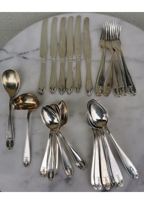 Stalo įrankių komplektas 6 asmenims Art Deco stiliaus, sidabruotas, antikvarinis, tarpukario. Kaina 62 už visus.