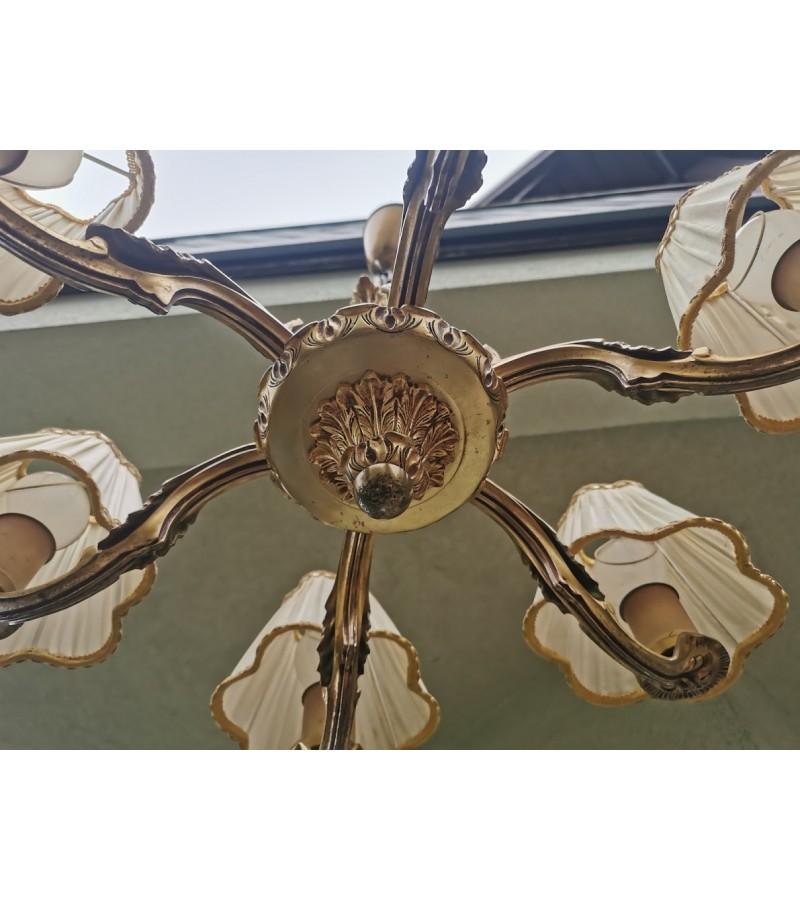 Šviestuvas bronzinis, antikvarinis, medžiaginiais gaubteliais. Kaina 187