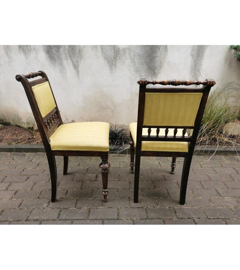 Kėdės antikvarinės, tekintomis detalėmis. 2 vnt. Kaina po 23