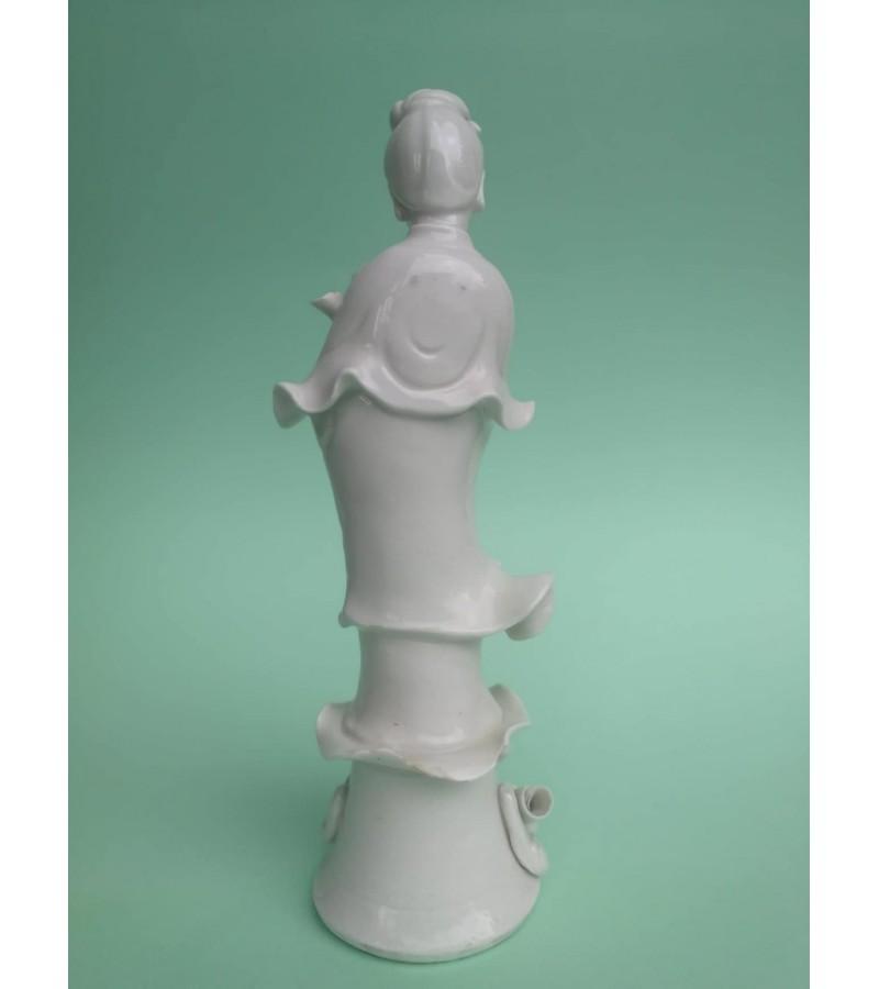 Statulėlė porcelianinė. Geiša. Japonija. Kaina 32