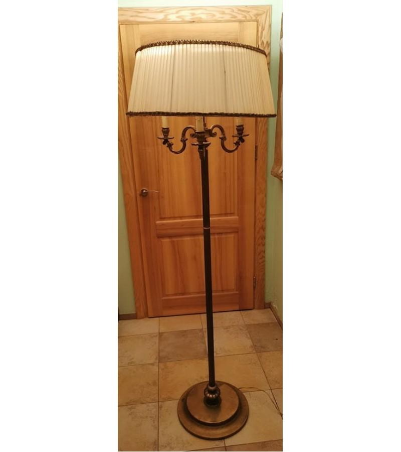 Toršeras bronzinis, antikvarinis 6 lempų, 3 švietimo pozicijų. Sunkus ir stabilus. Kaina 178