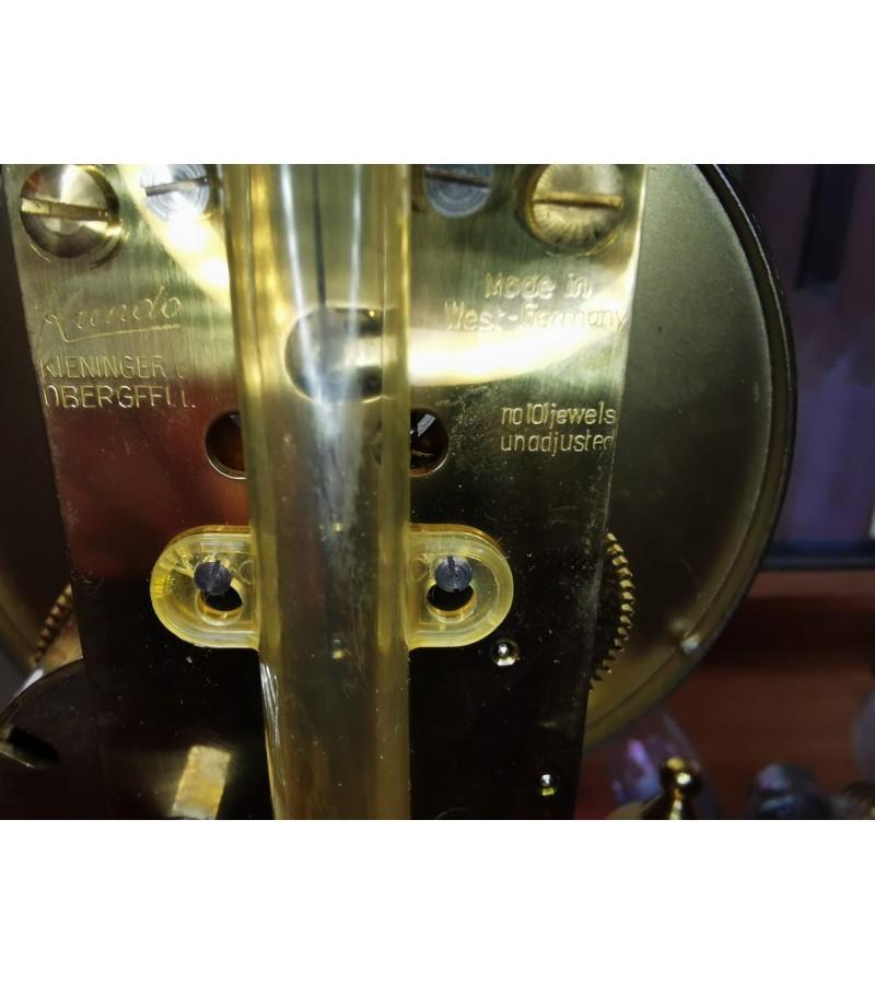 Laikrodis stikliniu gaubtu Kundo. Made in Germany. Veikiantis, patikrintas laikrodininko. Kaina 157