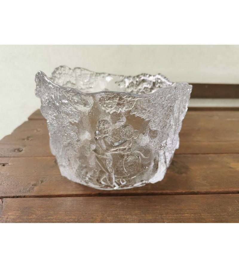 Vaza reljefinio stiklo su šokėjais, vintažinė. Kaina 28