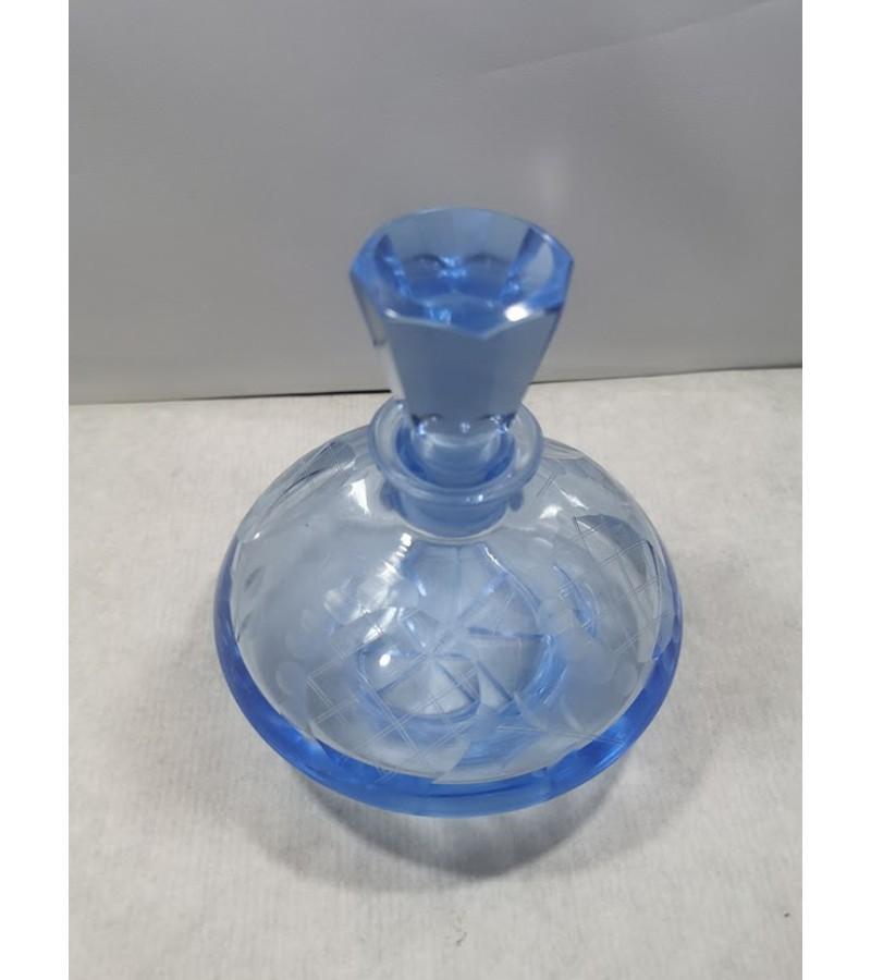 Buteliukas Art Deco antikvarinis, melsvo stiklo. Kaina 28