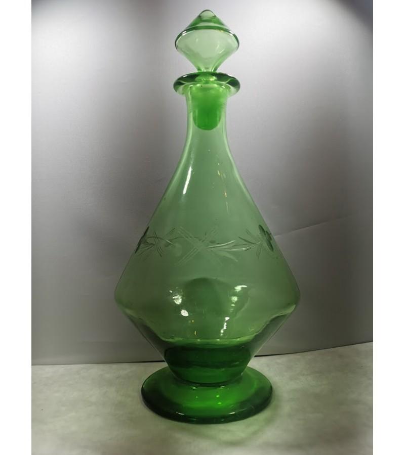 Grafinas tarpukario, antikvarinis, žalio stiklo Art Deco stiliaus. Kaina 32