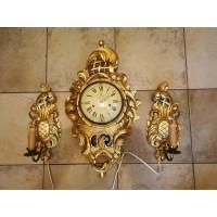 Laikrodis ir bra šviestuvai. Laikrodis netikrintas. Kaina laikrodžio 87, šviestuvų kaina po 33.