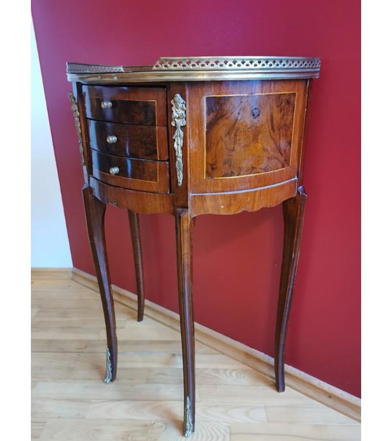 Konsolė pusapvalė, ampyro stiliaus su 3 stalčiukais, antikvarinė. Kaina 213