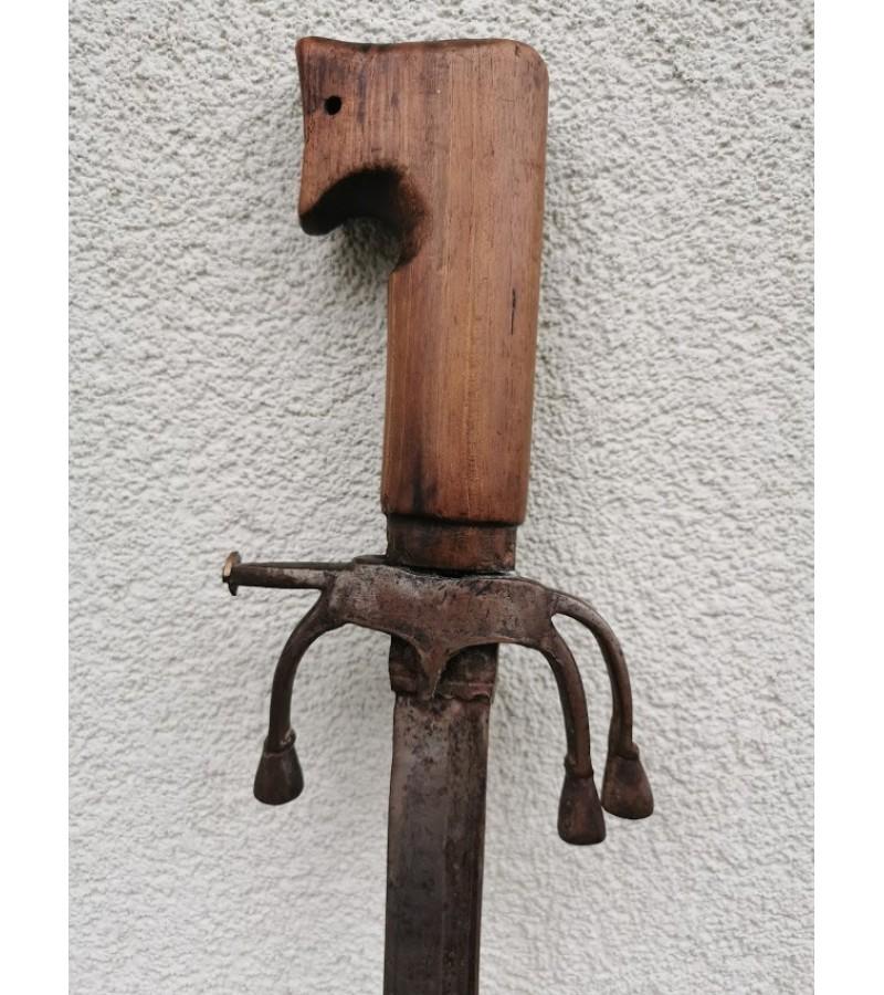 Kalavijas, kardas antikvarinis. Kaina 163