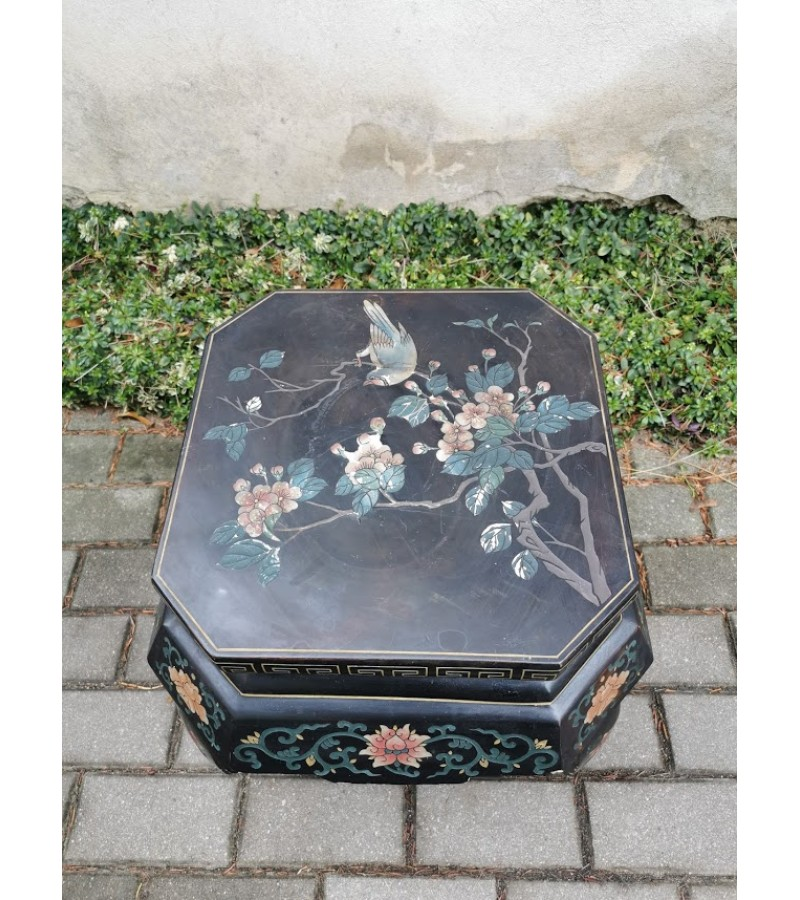 Staliukas antikvarinis, tapytas. Japonija. Kaina 126